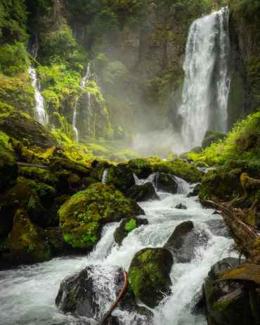 time lapse photography of flowing waterfall
